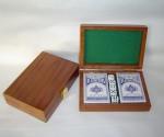 caja de naipes y juegos