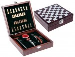 set de vino y ajedrez